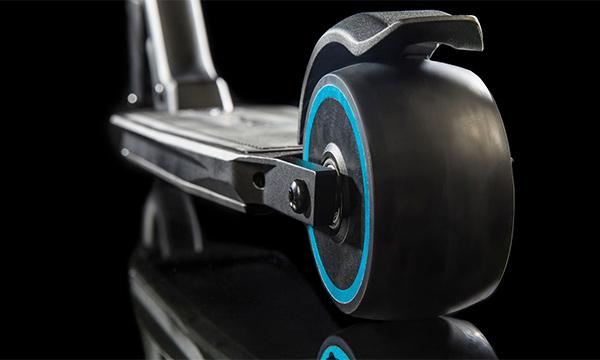 Компания Peugeot разработала электрический самокат