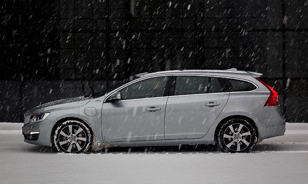 Город грехов. Тест-драйв Volvo V60 Plug-in Hybrid