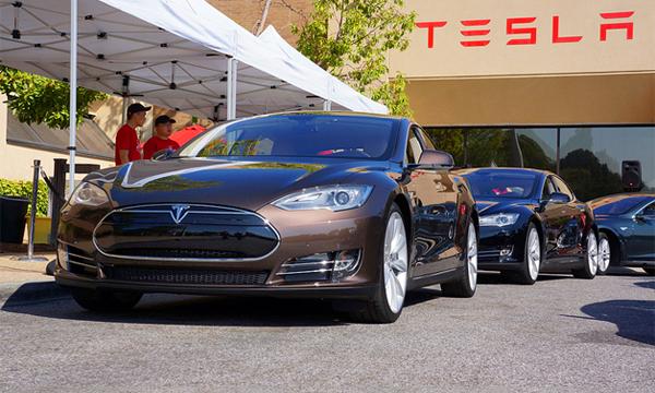 Tesla Model S защитили от возгораний