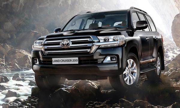 Toyota назвала российские цены на обновленный внедорожник Land Cruiser