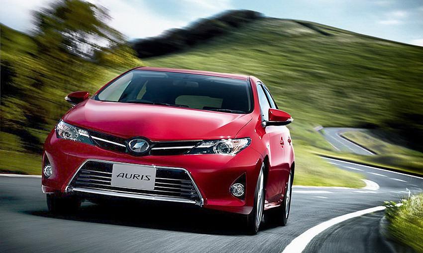 Новая война в гольф-классе: те же и Toyota Auris