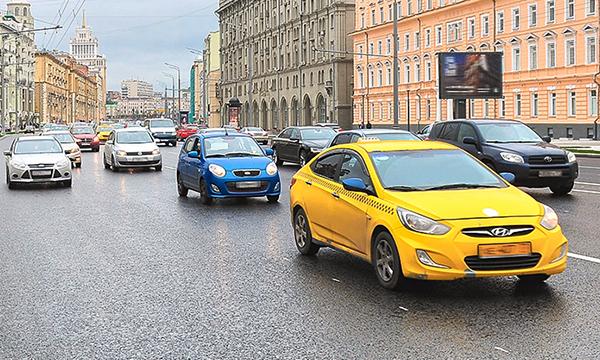 Первые беспилотные такси хотят запустить в Москве через 10 лет
