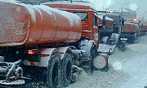 В Петербурге снегоуборочная машина врезалась в две маршрутки