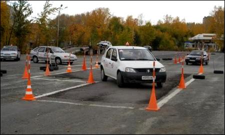 Неумелых водителей заставят учиться заново