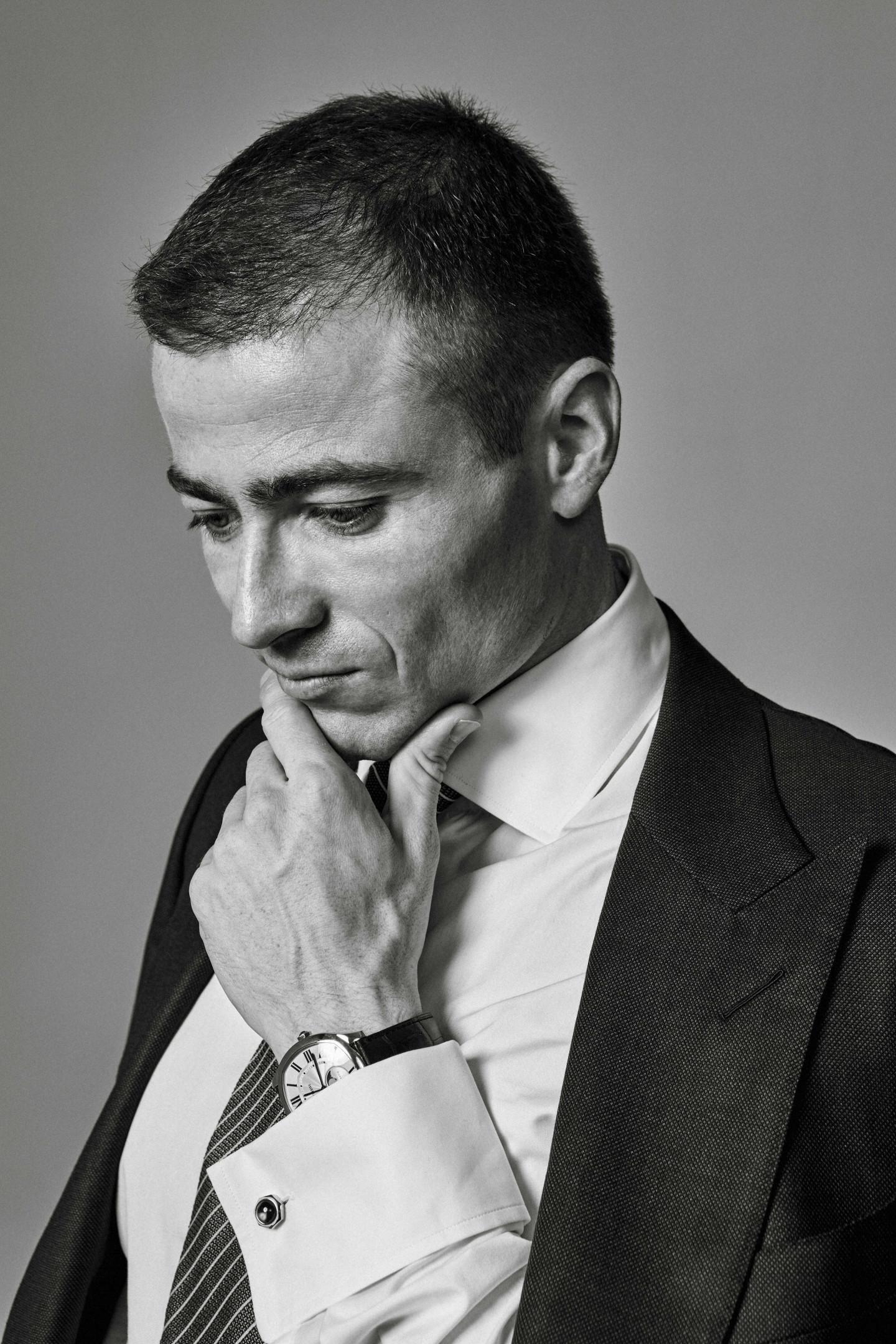 На Борисе: костюм, сорочка, галстук, платок - все Tom Ford,запонки Cartier, часы Drive de Cartier