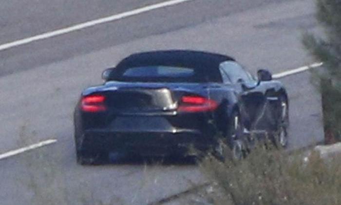 Aston Martin готовит кабриолет Vanquish