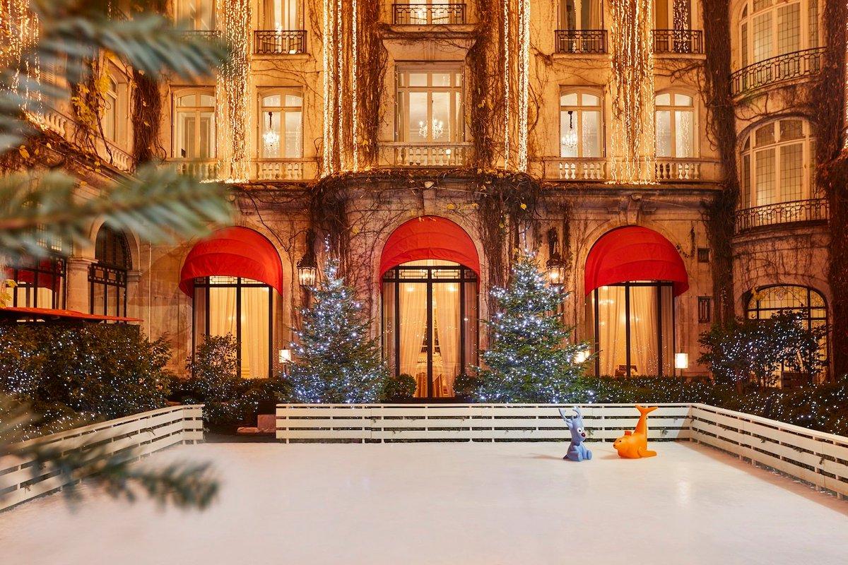 Внутренний дворик Hotel Plaza Athénée