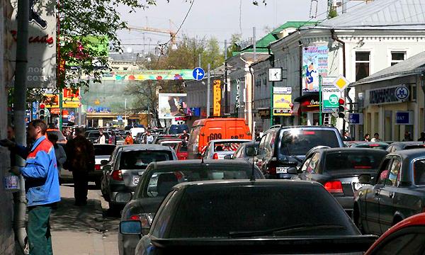 Пожар в метро осложнил дорожную ситуацию в центре Москвы