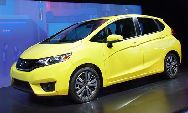 Новая Honda Fit получила камеру заднего вида в базовой версии