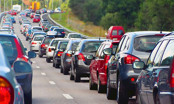 Москвичей предупредили о дорожном коллапсе перед праздниками