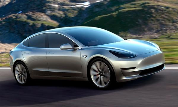 Число заказов на Tesla Model 3 сократилось на 12 тысяч