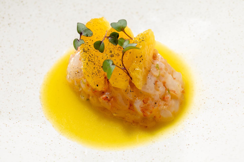 Тартар из лангустиновой креветки и апельсина
