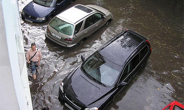 Сегодня улицы Петербурга затопят ливни