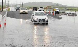 Некоторые участки дорог Подмосковья остаются под водой из-за разлива рек