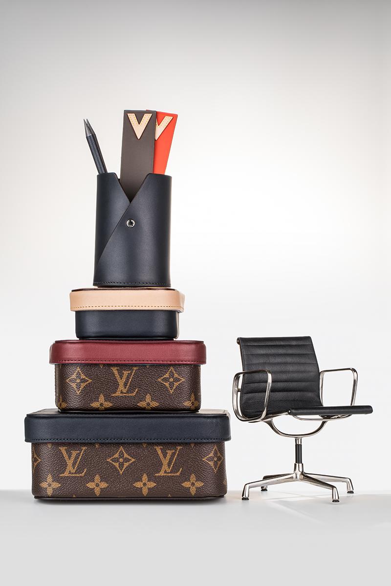 Шкатулки, карандашница, карандаши, закладки, все Louis Vuitton Кресло EA 108, Vitra