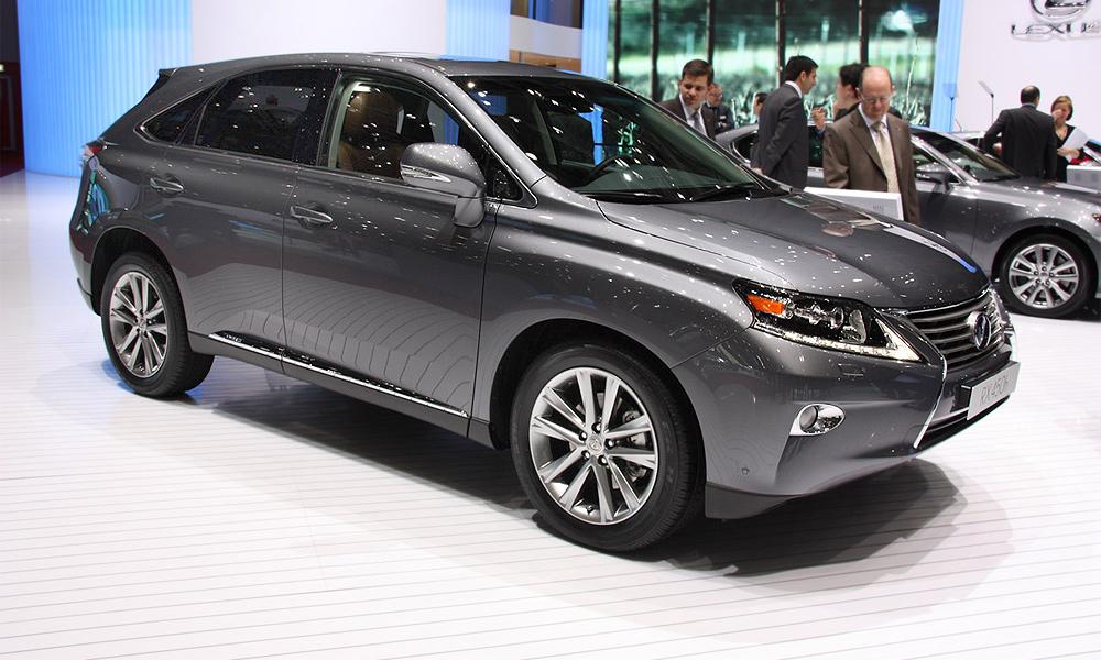 Lexus объявил российские цены на обновленный RX