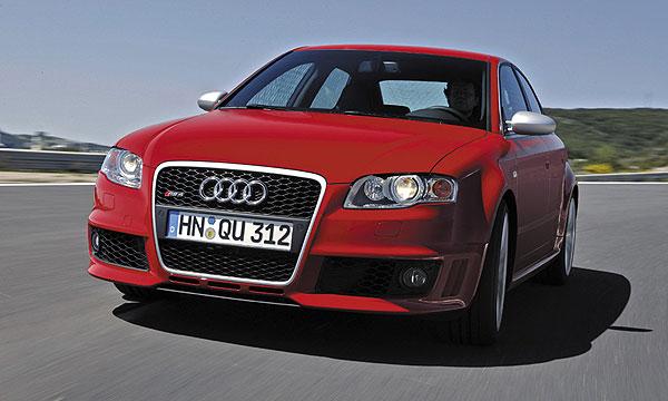 Audi RS4 FSI