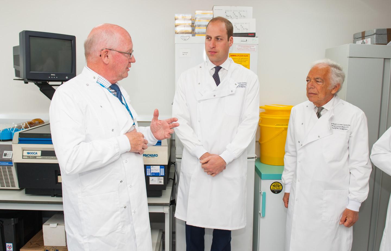 Ральф Лорен и герцог Кембриджский в новом центре исследований рака груди, носящий имя Ральфа Лорена при лондонском госпитале Royal Marsden