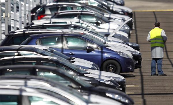 Средняя цена автомобиля в России выросла на 1000 долларов за год