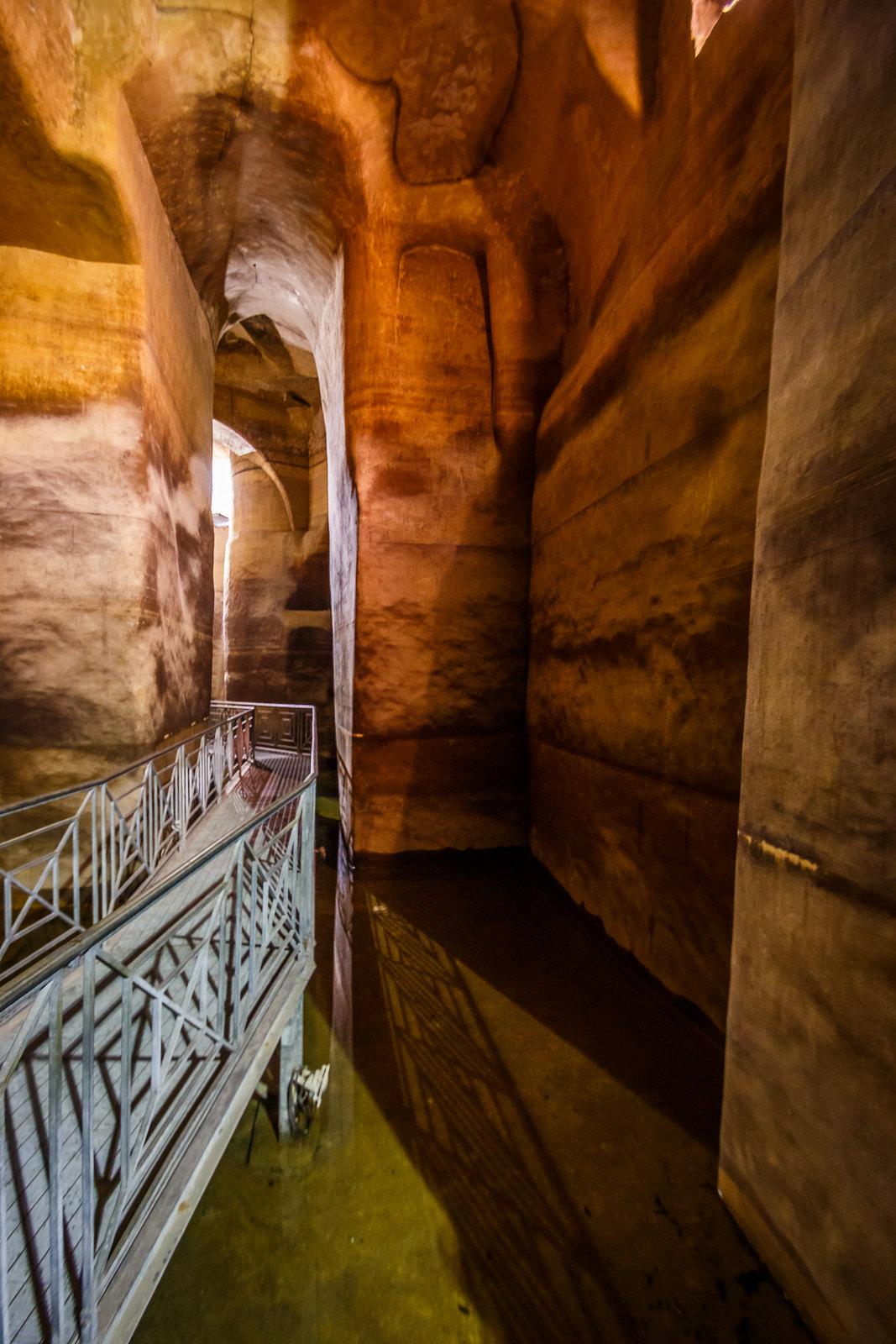 Подземная цистерна Palombaro Lungo