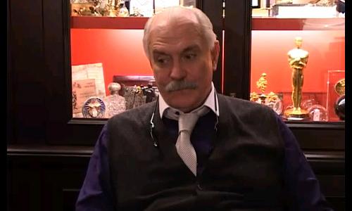 Военные опозорили Михалкова с «мигалкой»