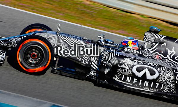 Red Bull в камуфляже: во что превратились болиды Формулы-1