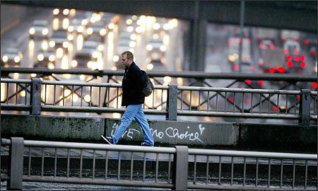 Пешеходные переходы в Москве станут подъемными