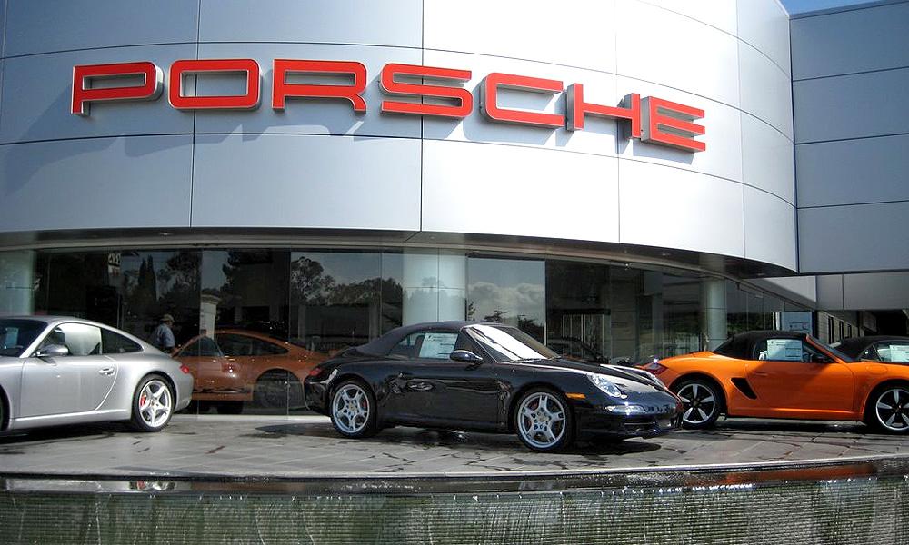 Финансисты подали на Porsche в суд за махинации