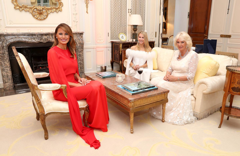 Мелания Трамп, Иванка Трамп игерцогиня Корнуольская Камилла на приеме в Букингемском дворце