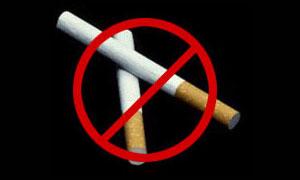 Автомобилистам запретят курить за рулем