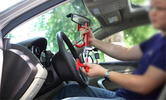Полиция советует автовладельцам делать противоугонные средства
