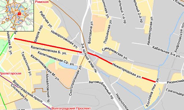 Плотный поток машин на всем протяжении Нижегородской ул. в область