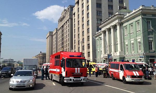 Таксисты взвинтили цены из-за пожара в метро