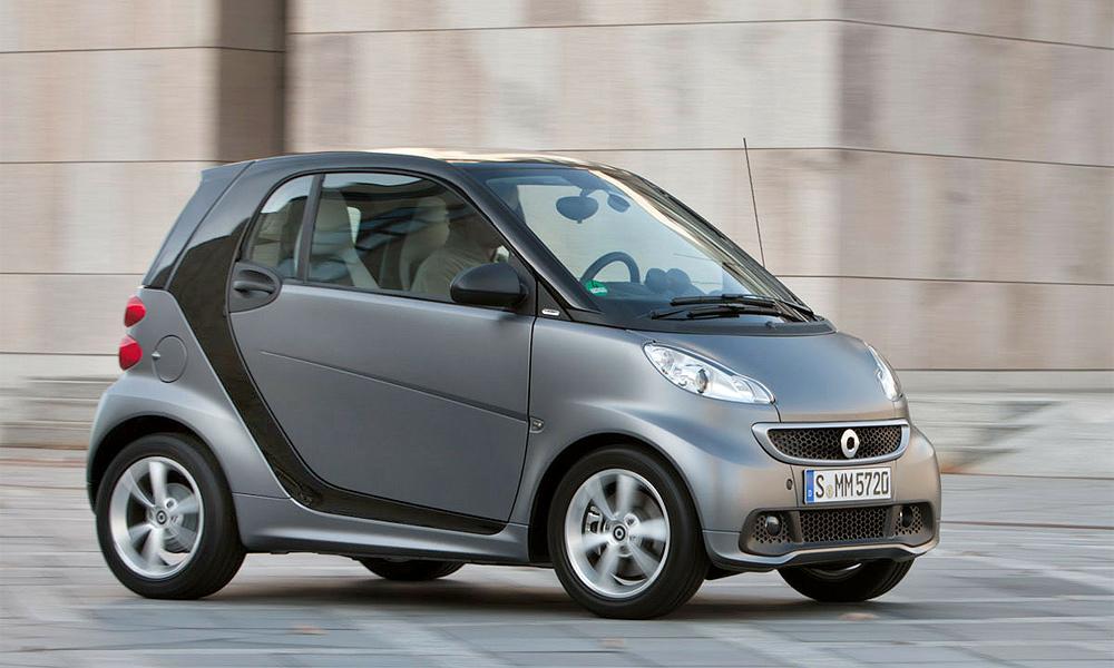 Mercedes-Benz объявил российские цены на все версии smart