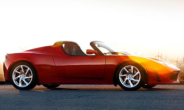 Tesla увеличила запас хода у модели Roadster