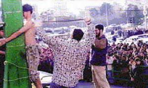 В Эмиратах пьяных водителей подвергают публичной порке