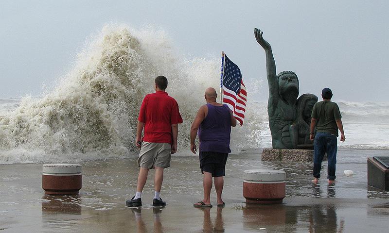 Страшные последствия урагана Айк. ФОТО