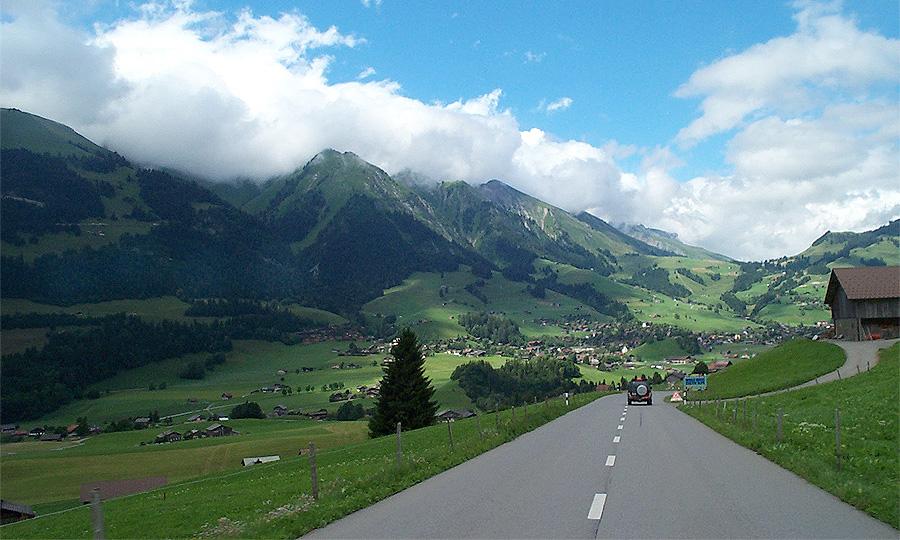 Самые безопасные в Европе дороги строят в Швейцарии
