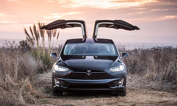 Первый электрический микроавтобус Tesla построят на базе Model X