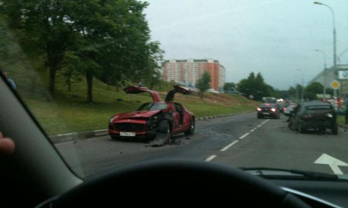 Первая в мире авария Mercedes-Benz SLS произошла в Москве
