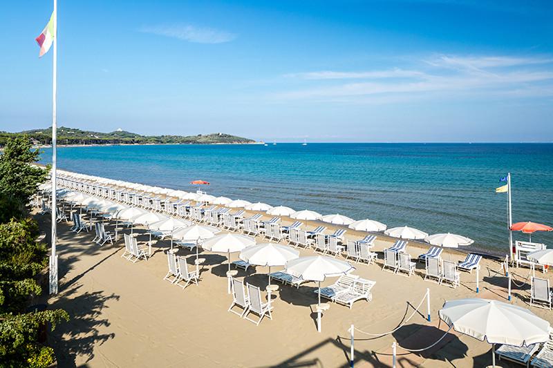 Частный платный пляж Cala del Porto Beach