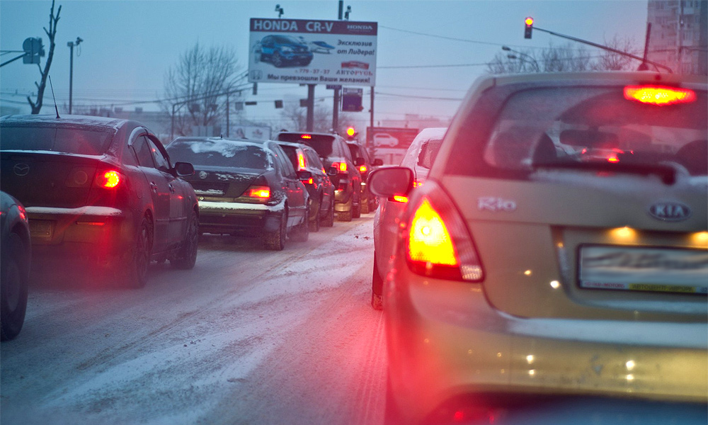 Москва в снегопад не стояла, а аварий было меньше, чем обычно