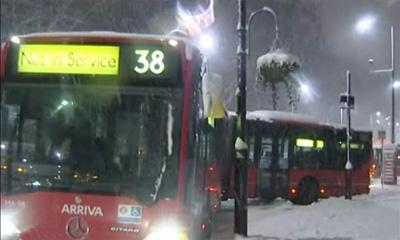 Британия погрузилась в транспортный коллапс из-за сильнейшей метели