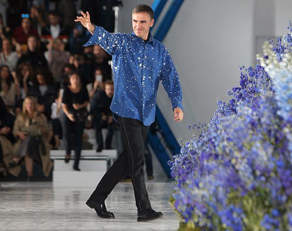 2a9427a60680 Текучка кадров  почему дизайнер Раф Симонс покинул дом Dior    Вещи     РБК.Стиль
