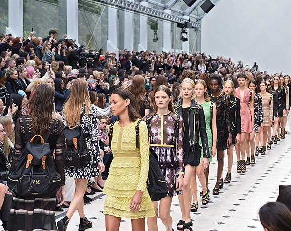 Ей место на парковке: главные показы Лондонской недели моды