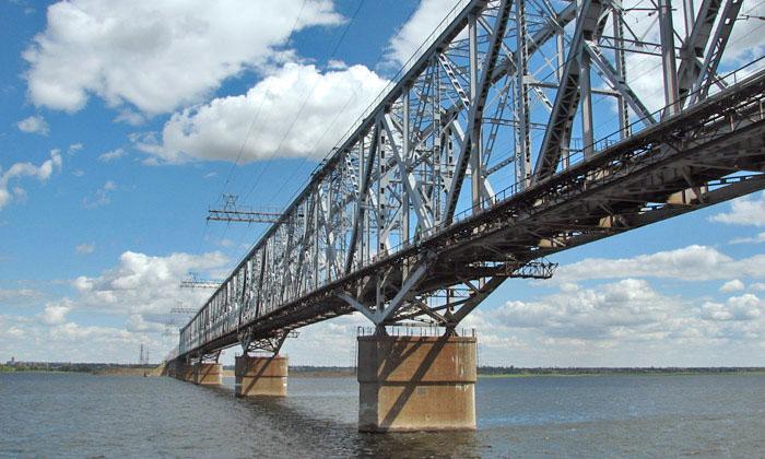 В Дубне через Волгу перекинут мост длиной более 2 километров