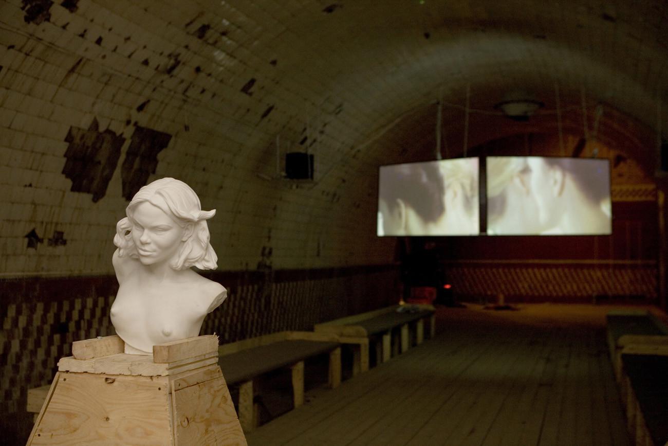 Первый выставочный проект «Винзавода»«Верю», 2007