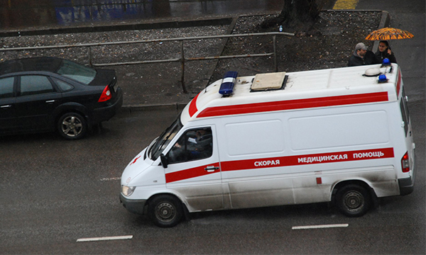 BMW Минобороны сбил человека на Кутузовском проспекте