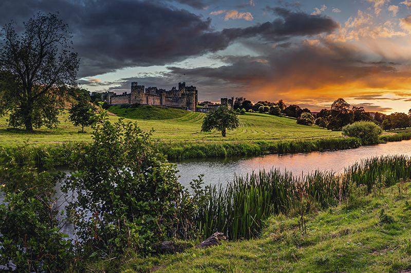 Графство Нортумберленд, где находится замок Алник