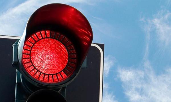 Правый поворот на «красный» разрешат по всей России